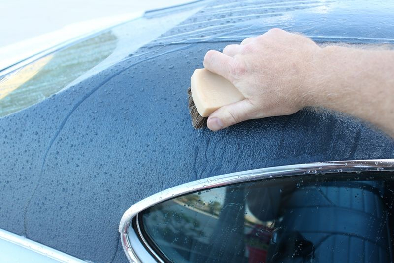 3.4 Cleaning & Drying Convertible Roofs (Vinyl)