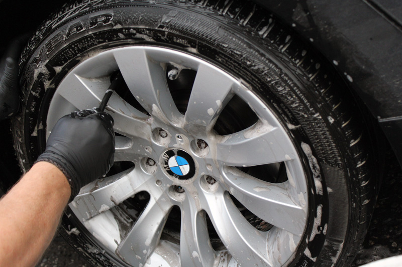 BMW Car Magazine Visits Ultimate Detailing Studio With an E61 520d SE Touring