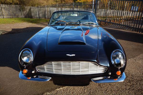 Aston Martin DB6 MKII Volante