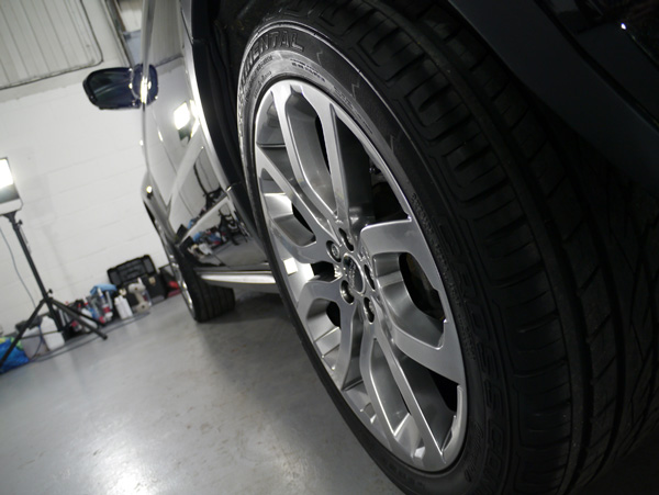 Range Rover Evoque Si4 - Rims Protected with 22PLE VM1 Signature Rim & Metal Coat