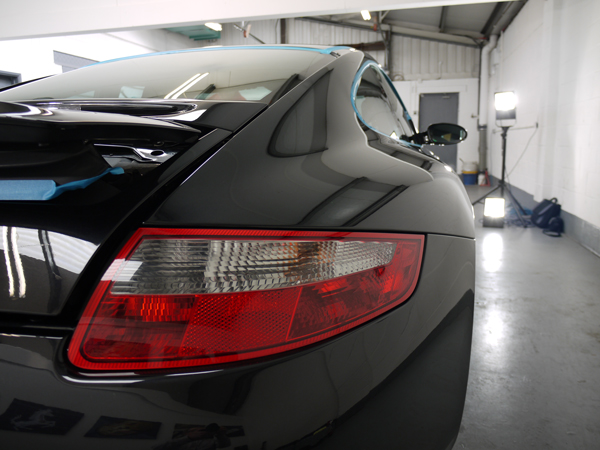 22PLE VX1 Pro Signature Glass Coating protects Porsche 997 Carrera S