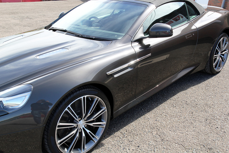 Aston Martin Virage Volante - Gloss Enhancement Treatment