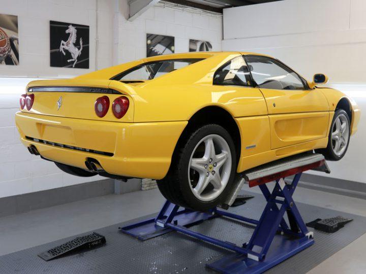 Ferrari F355 GTS: 1-Stage Gloss Enhancement Treatment