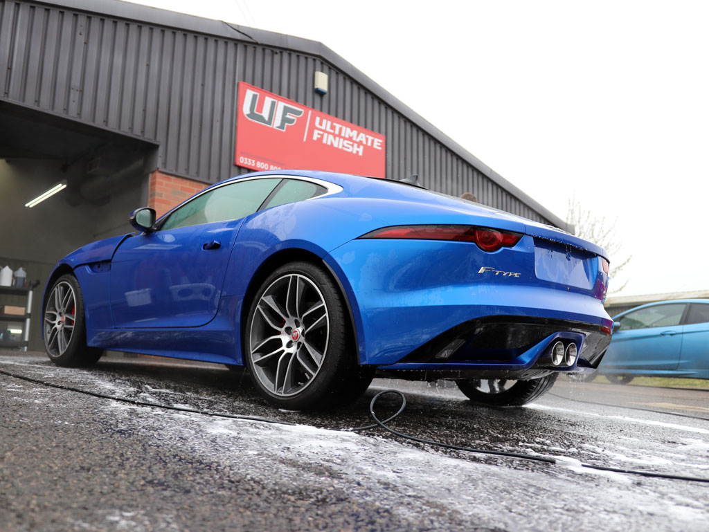Supercharged Jaguar F-Type R-Dynamic – 2-Stage Gloss Enhancement