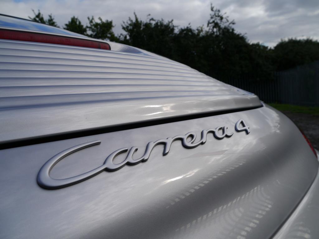 Porsche 911 (996) Carrera 4  – Gloss Enhancement Treatment