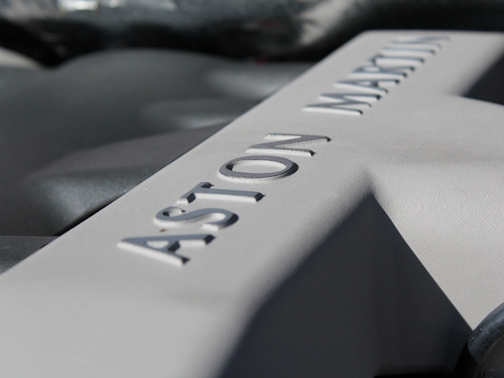 Aston Martin V12 Vanquish – Lives To Gloss Another Day