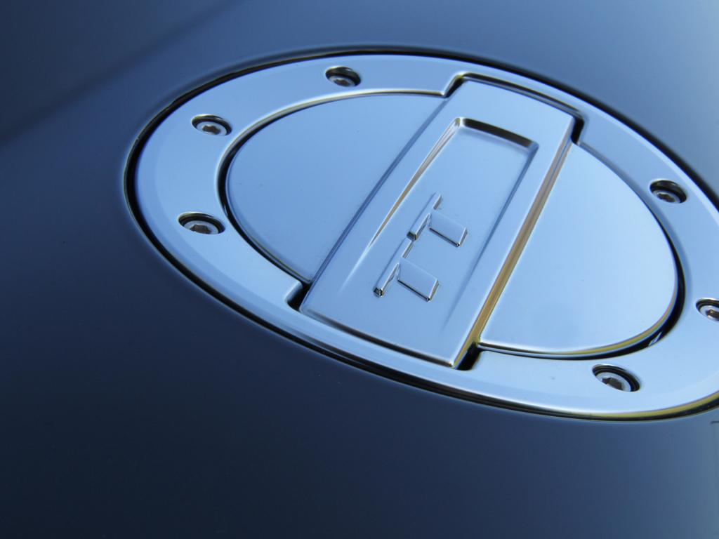 Audi TT Ultra: Crystal Serum Shine For A Mythos Metallic Black