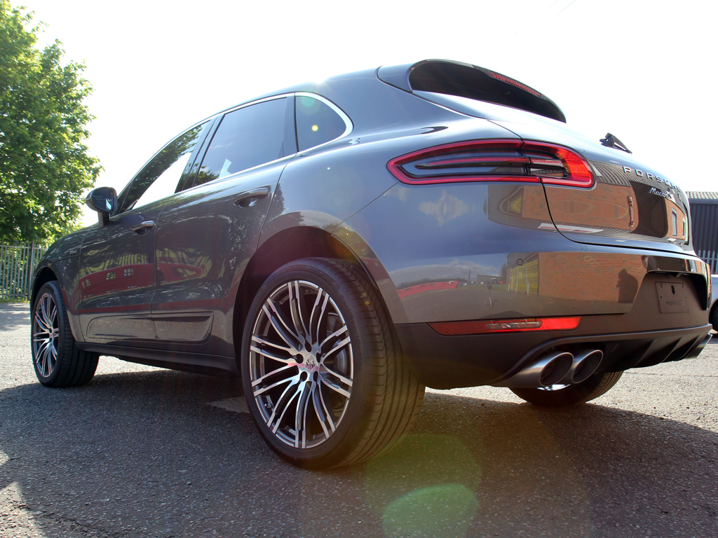 Porsche Macan, A 'Tiger' Made Ready For The Wild With CS Black