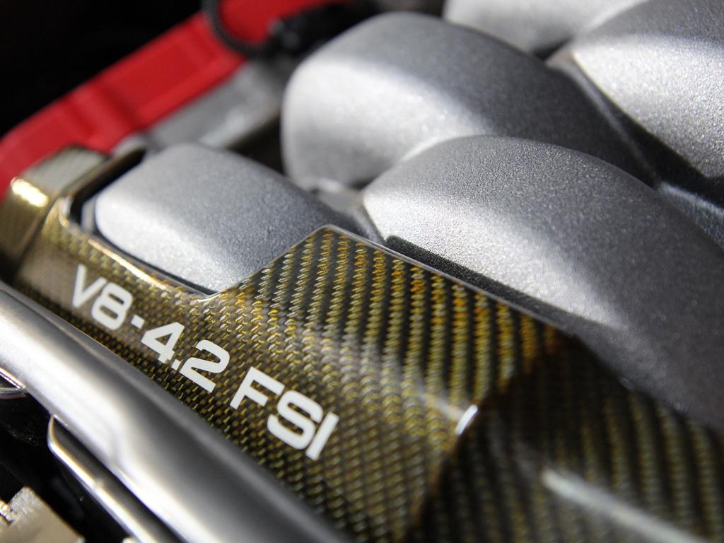 Mugello Blue Audi RS4 Receives CS Black Protection