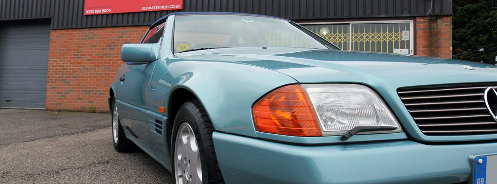 Classic Mercedes-Benz SL 320 Has Beryl Metallic Paintwork Restored