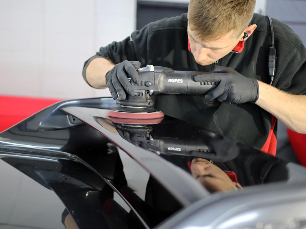 Nissan Skyline GT-R (R33) – Restoring A Japanese Classic (Part 1)