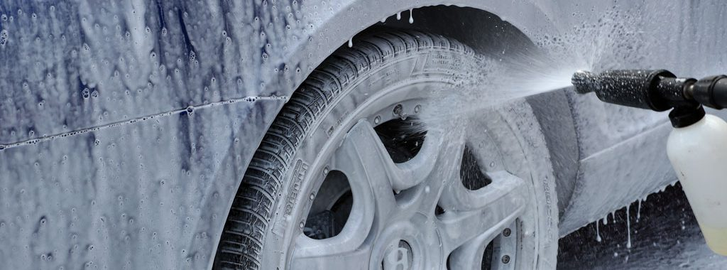 Preserve your Car's Paint with careful Washing during the colder Months
