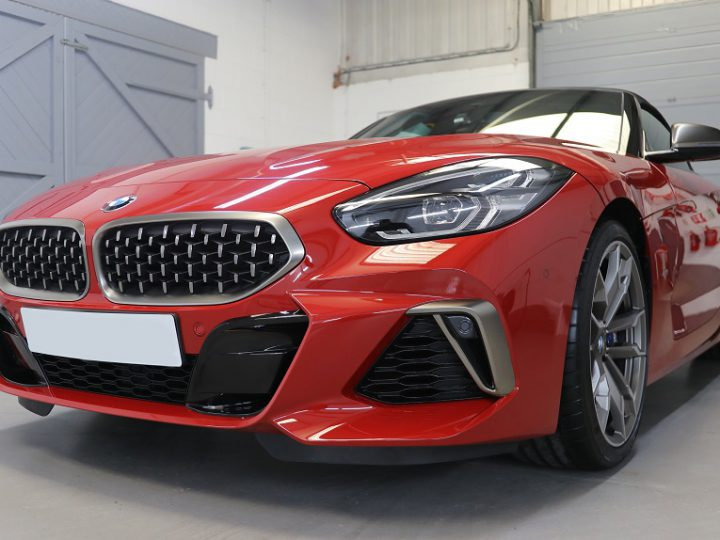 BMW Z4 M40i: Uncovering Paint Damage On A New Car