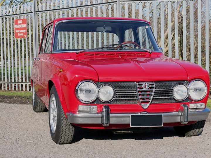 Alfa Romeo Giulia Super 1600S: Autoglym UHD Wax Protection