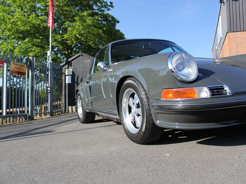 Paul Stephens AutoArt Porsche 911 - Gloss Enhancement Treatment