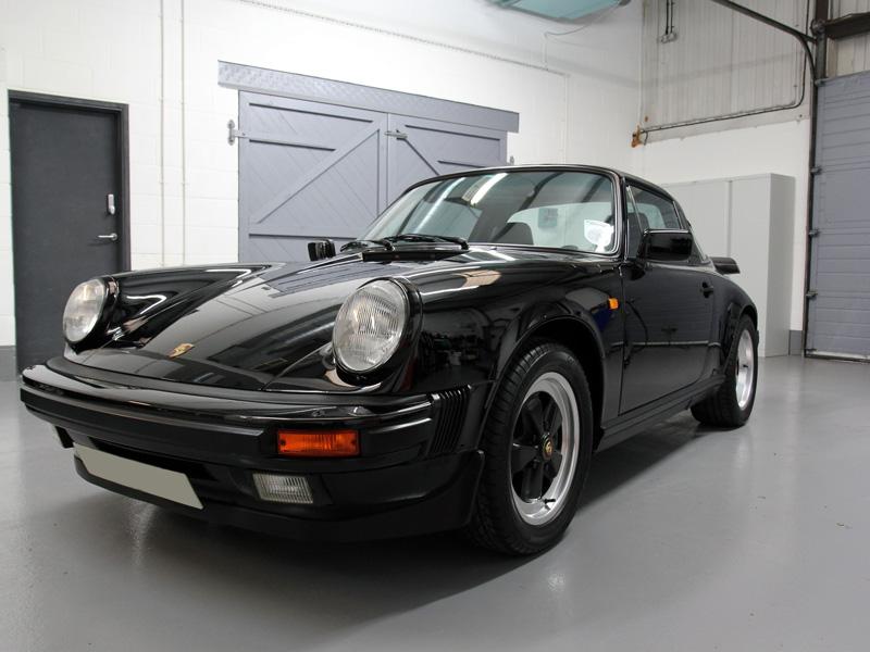 Classic 1989 Porsche 911 3.2 Carerra Targa Sport