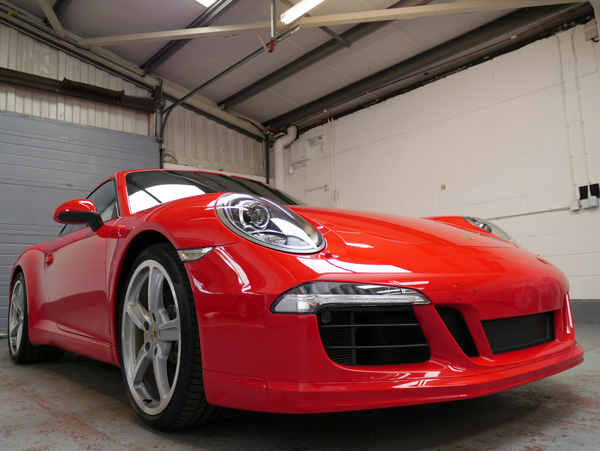 Porsche 911 991 Carrera S PDK - Extreme shine provided by 22PLE VX1 Pro Signature Glass Coating