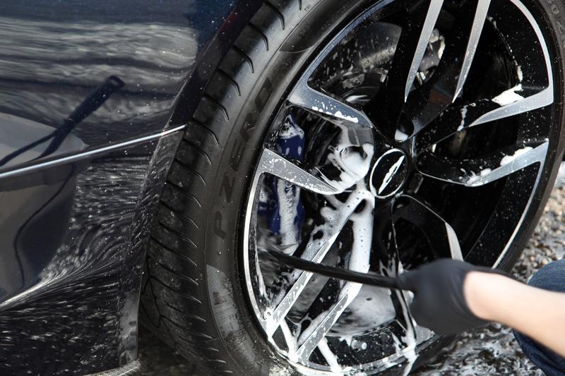 2016 Aston Martin Vanquish Volante - Gloss Enhancement Treatment