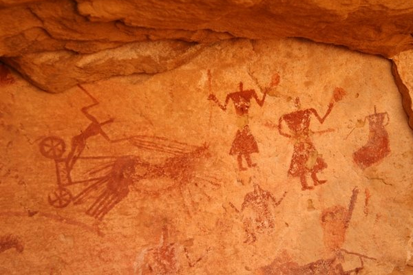 Cave Painting - The earliest paintings used hematite, manganese oxide, charcoal & ochre