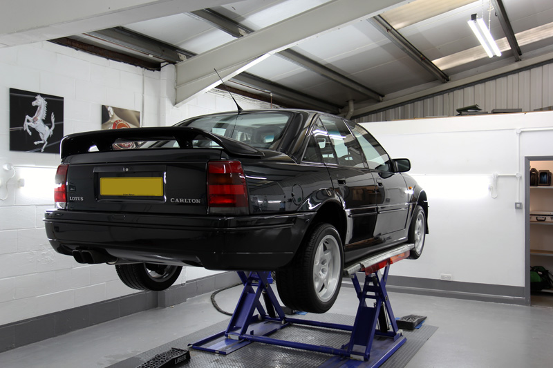 1991 Vauxhall Lotus Carlton - Paint Correction Treatment