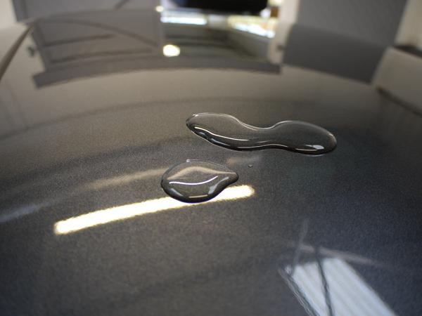 Water beading hydrophobic properties of 22PLE VX1 Pro Signature Glass Coat
