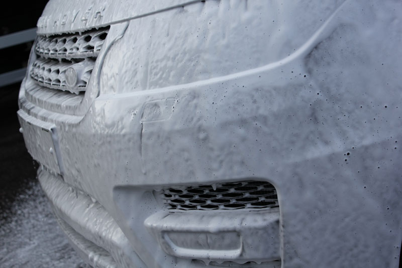 2014 Range Rover Sport Autobiography covered with Ultimate Snow Foam